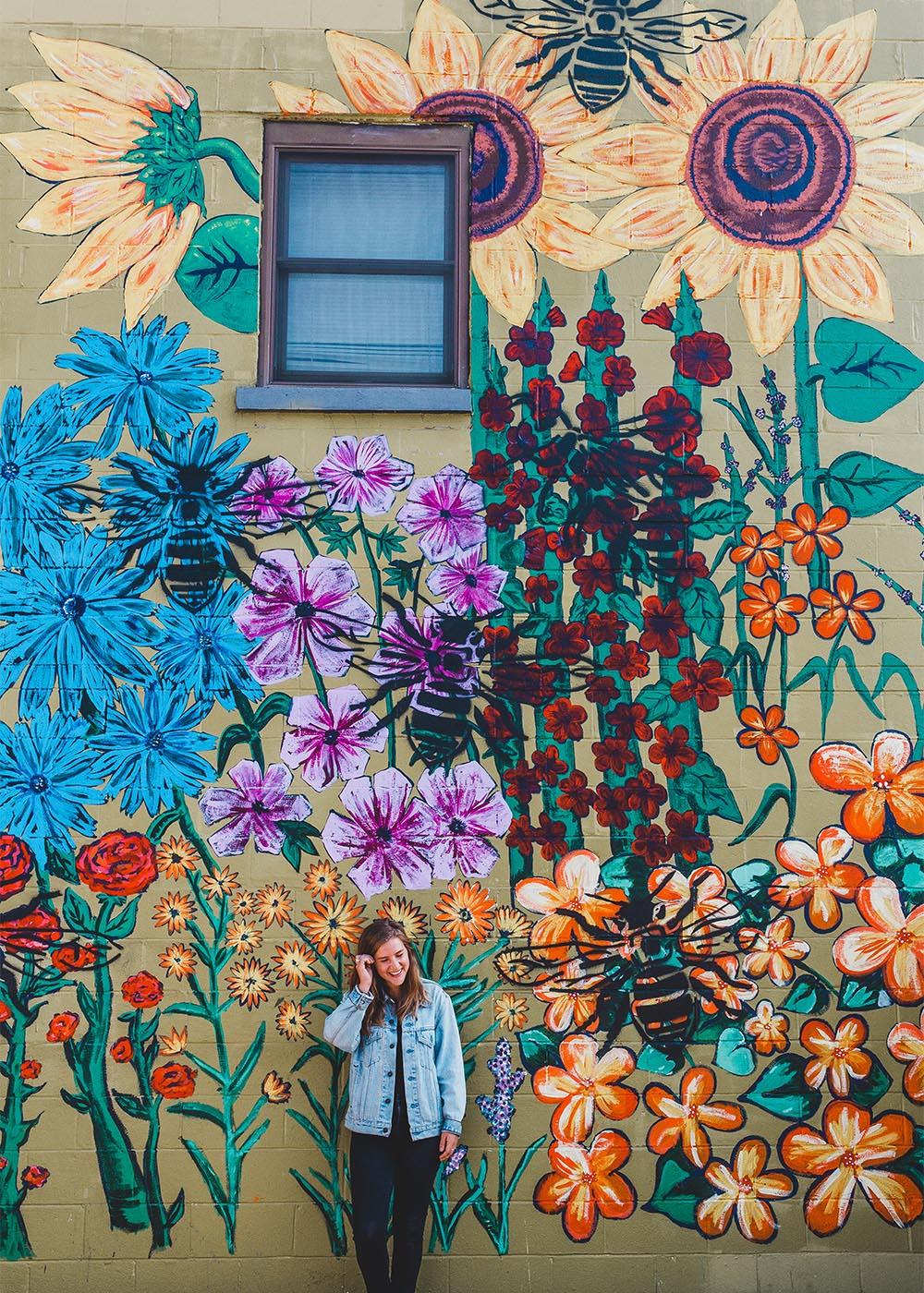Hive Salon mural